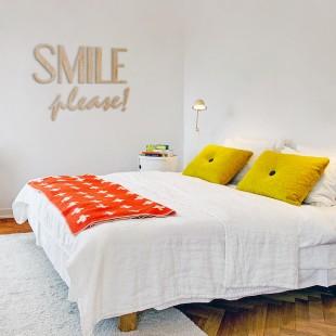 Smile please! - napis dekoracyjny na ścianę 3d